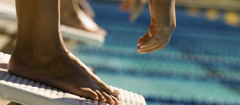La natación proporciona beneficios para reafirmar el cuerpo