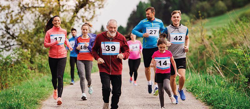 Carrera con participantes de diferentes edades