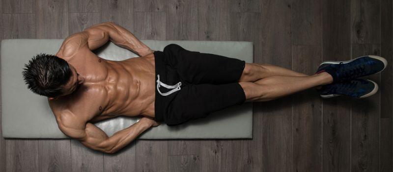 Realiza estos 4 ejercicios para entrenar tus abdominales