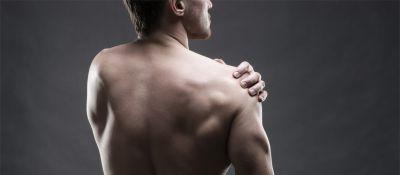Causas y ejercicios para aliviar el dolor de hombro