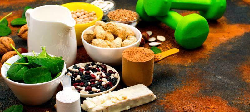 La soja es una legumbre originaria de Asia, y como legumbre destaca por su gran aporte de proteínas y fibra.