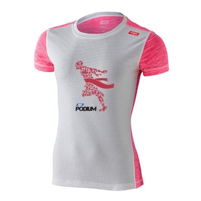 Detalle frente camiseta técnica deportiva rosa