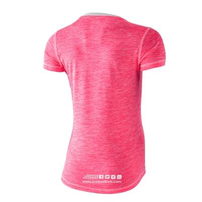Detalle parte trasera camiseta técnica deportiva rosa